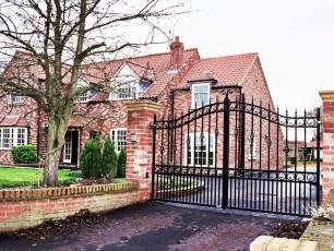 Buckingham-Wrought-Iron-Gates-Shiptonthorpe
