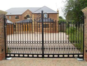 Designer-Automated-Wrought-Iron-Gates-Yorkshire