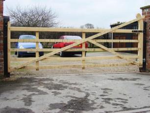 Oak-Hook-Back-Wodden-Gate