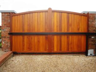 Timber-Automated-Sliding-Gates