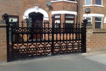 Wrought-Iron-Gates-7