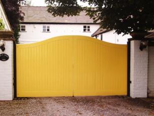 Yellow-Timber-Gates-Yorkshire